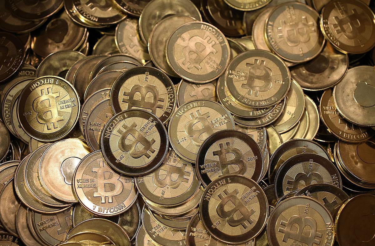 Would Coordinated Efforts of Governance Strengthen or Weaken Bitcoin?