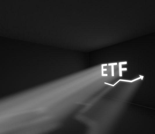 VanEck's Chief Strategist Eyes Multi-Billion Dollar Financial Investment in Bitcoin ETF