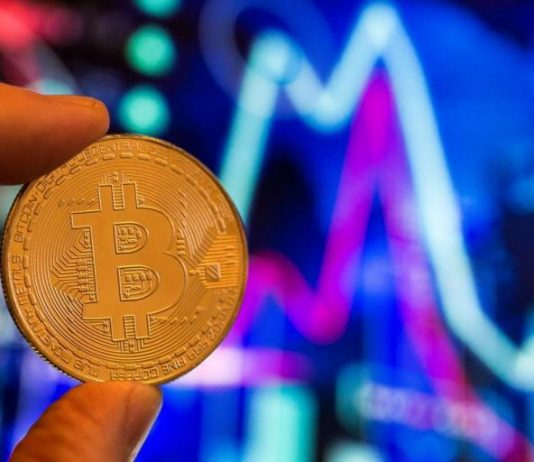 Bitcoin cost simply struck brand-new 2018 low however cryptocurrency experts anticipate remarkable market turnaround