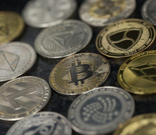 Altcoin Trader: Alt Market Cap Reveals Longest Build-up Stage Yet