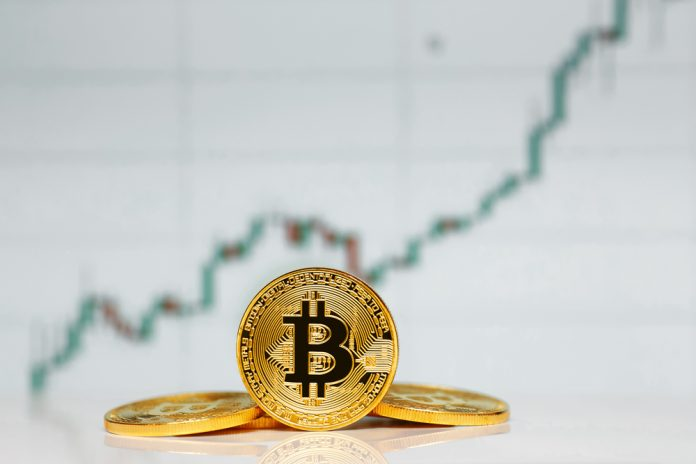All Eyes Are on $8,200 as Bitcoin Continues Combining in Lower $8,000 Area