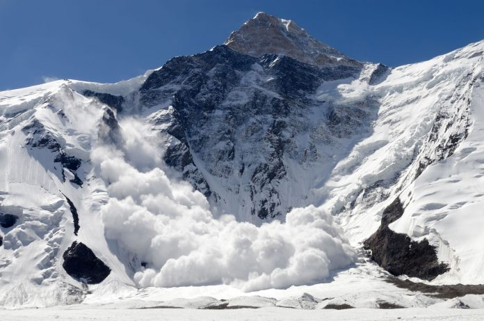 Altcoin Avalanche Starts as Cryptocurrency Markets Shed $16 Billion