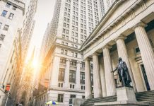 Lightning Functions: Bitcoin Podcaster Discovers Dining Establishment Shunning Banks for BTC