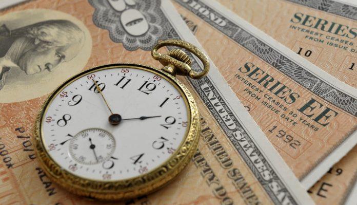 Bitcoin Flickers Near $35,000 as Bond Yields Drop; An In-depth Outlook